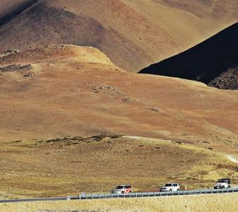 Here's driving Into Tibet!