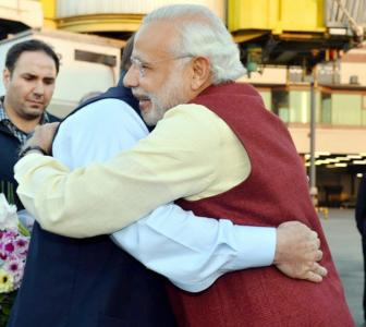 Pakistan politicians hail Modi's visit; Hafiz Saeed obviously doesn't