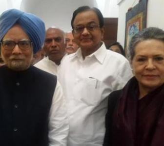 'Hand' that rocked Rao's boat after conviction stays by Manmohan
