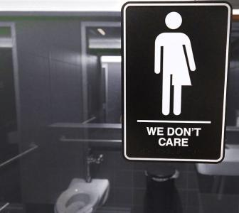 Trump revokes Obama's order on transgender bathrooms