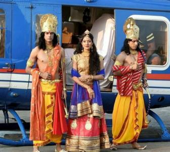 'Bhakts want Lord Rama to live in grandeur'