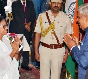 Elected vs nominated: Mamata and Guv in spat again