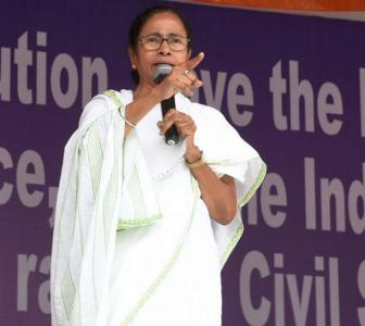 With one eye on Delhi, Mamata fights in Bengal