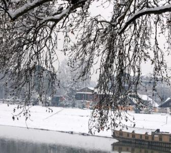 PHOTOS: A white, wonderful Kashmir!