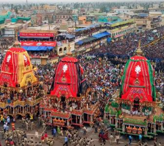 Lakhs of devotees participate in Puri Rath Yatra