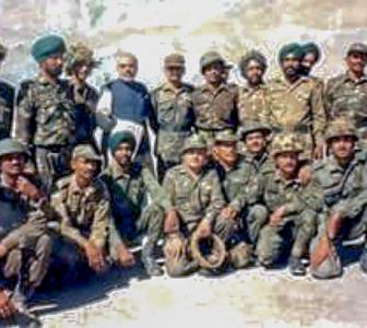 PM shares photos of visit to Kargil during war