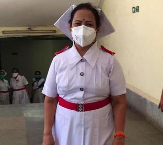 Why Mumbai's mayor has become a nurse again