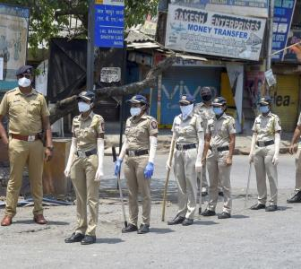 Over 10,000 Maha cops contract COVID-19; 107 died