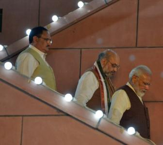 Delhi fallout: PM to induct youngsters, allies