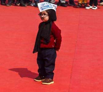 Kejriwal swearing-in: 'Baby Mufflerman' wins hearts