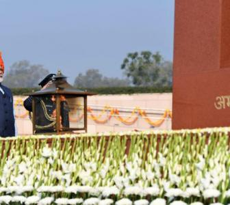 PM pays homage at National War Memorial on R-Day