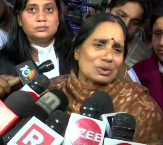 Convicts' lawyer has challenged me: Nirbhaya's mom