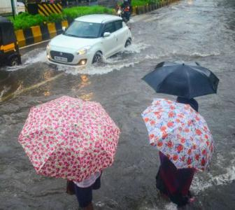 SEE: Heavy rain floods several areas of Mumbai