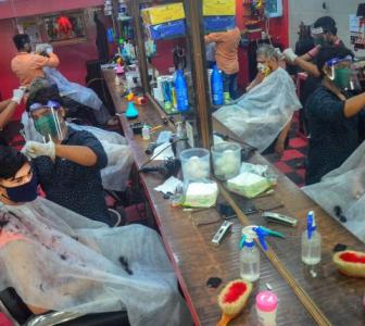 PHOTOS: Salons reopen in Mumbai after 3 months