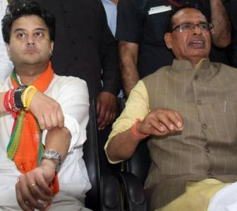 Turncoats or loyalists? Chouhan in for a tough choice