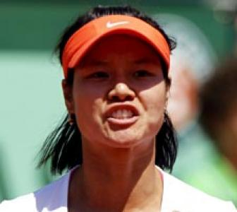Li, Schiavone to clash in French Open final