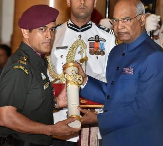 PHOTOS: Dhoni, Advani receive Padma Bhushan award