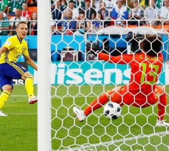 PHOTOS: Sweden rout Mexico but both qualify for last 16