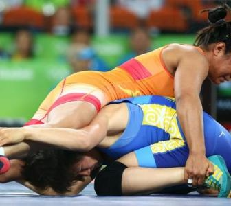 Ritu Malik in bronze contention; Sakshi, Ritu Phogat lose