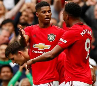 EPL PIX: United put four past Chelsea; Arsenal win