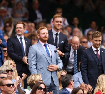 England cricketers watch Nadal down Tsonga