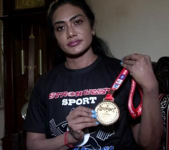 This powerlifter has won five golds in Commonwealth
