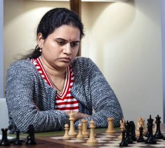 Women's Speed Chess: Humpy, Harika move to quarters