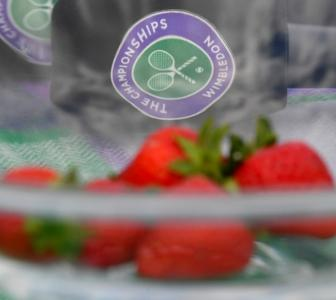 Wimbledon donates strawberries to health workers