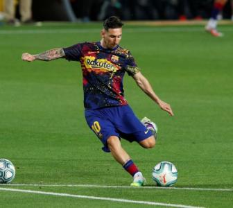Messi will finish career at Barca, says club president
