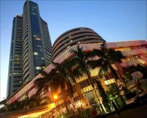 Sensex, Nifty hit new highs in 2013; IT stocks outshine
