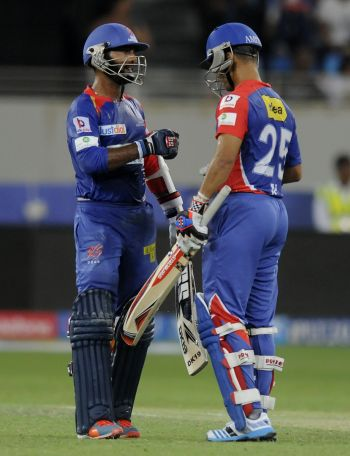 Karthik, Duminy guide Delhi to victory over Kolkata
