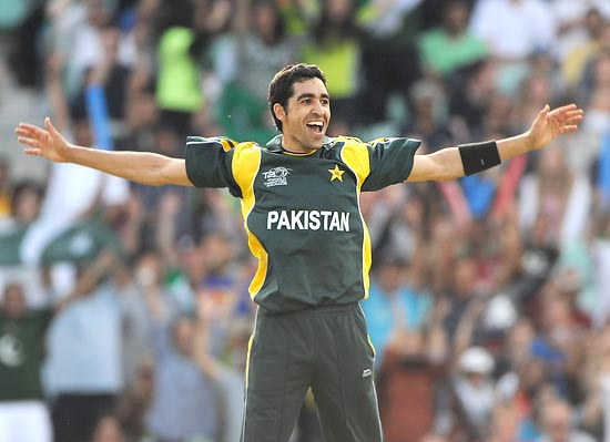 Umar Gul celebrates the wicket of Kyle Mills