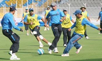 Laxman, Yuvraj, Dravid and Dhoni play soccer in Ahmedabad