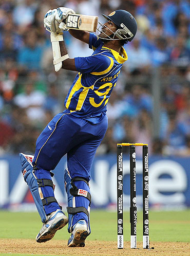 Nuwan Kulasekara plays the pull shot