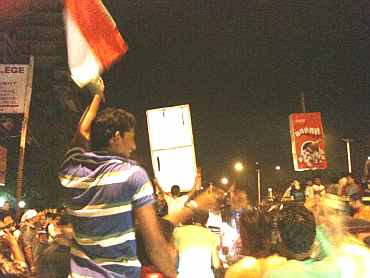 Fans at Carter Road celebrate after India won the World Cup