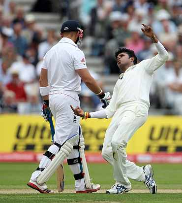 S Sreesanth celebrates after picking up the wicket of Matt Prior on Day 1