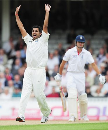 Rudra Pratap Singh, who replaced an injured Praveen Kumar, appeals unsuccessfully for the wicket of Alastair Cook