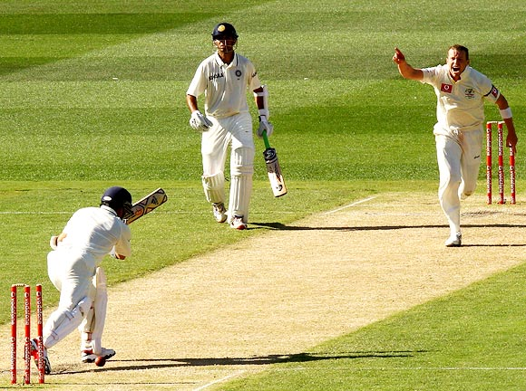 Sachin Tendulkar is bowled by Peter Siddle