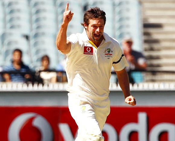 Ben Hilfenhaus celebrates after taking the wicket of Rahul Dravid