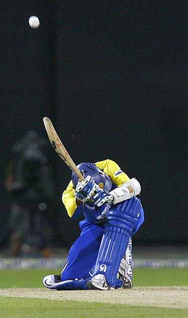 Tillakaratne Dilshan plays a scoop shot