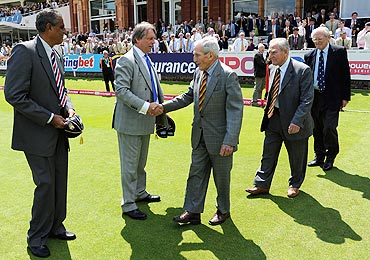 Doug Insole, Donald Carr and Mike Smith receive their momento from ECB Chairman Giles Clarke and Honorary Joint Secretary of the BCCI Sanjay Jagdale on Sunday