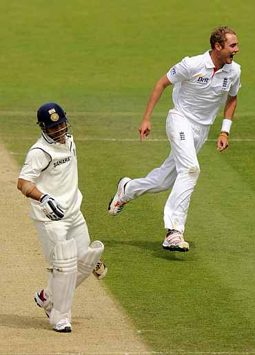Stuart Broad celebrates after bagging Sachin in the first innings
