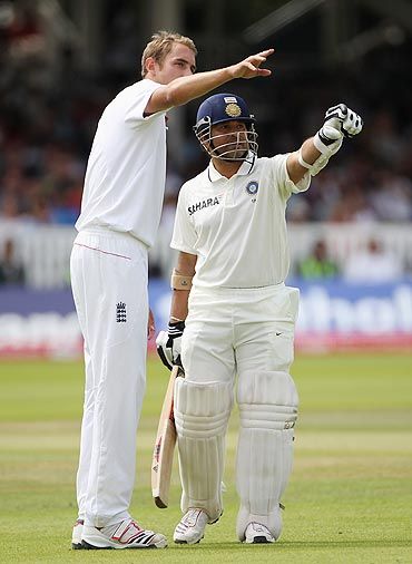 Stuart Broad and Sachin Tendulkar on Day 5