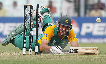 Graeme Smith is run out during the match against Ireland