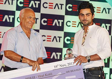 Virat Kohli with the International Youngster of the Year award