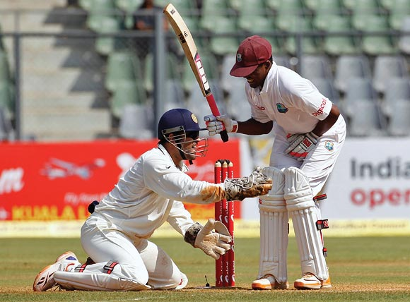 Mahendra Singh Dhoni appeals unsuccessfully for the wicket of Darren Bravo