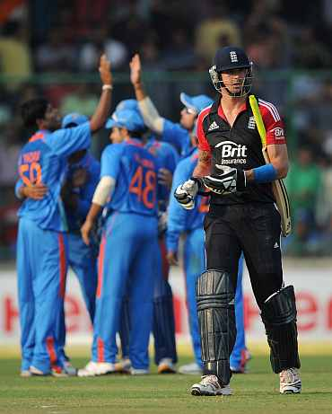 Kevin Pietersen reacts after being dismissed by Umesh Yadav