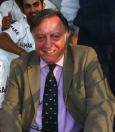 Cricket world mourns Pataudi's demise
