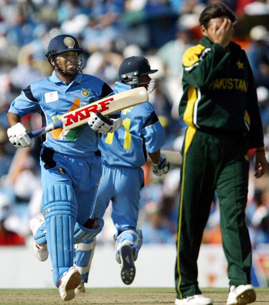 Sachin Tendulkar during his knock of 98 (75 balls, 12x4, 1x6) versus Pakistan at the Centurion, World Cup, 2003.