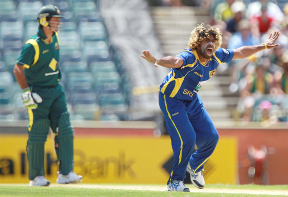 Lasith Malinga of Sri Lanka appeals for the wicket of Ricky Ponting of Australia during game three of the One Day International series between Australia and Sri Lanka on Friday